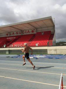 Valery entrenando en el Estadi Olimpic Camilo Cano de La Nucia